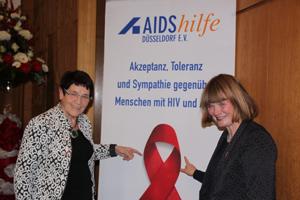 Prof. Dr. Rita Süssmuth und Bürgermeisterin Klaudia Zepuntke beim Festakt der AIDS-Hilfe Düsseldorf