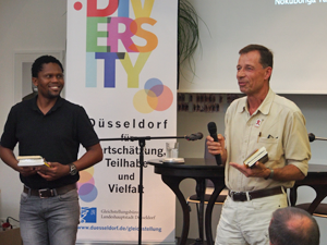 Bild: Sonwabiso Ngcowa und Lutz van Dijk