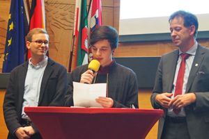Bild: Junger Flüchtling schilderte seine Erfahrungen im PULS-Jugendzentrum.