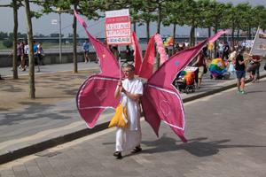 Bild: Teilnehmer beim CSD Düsseldorf