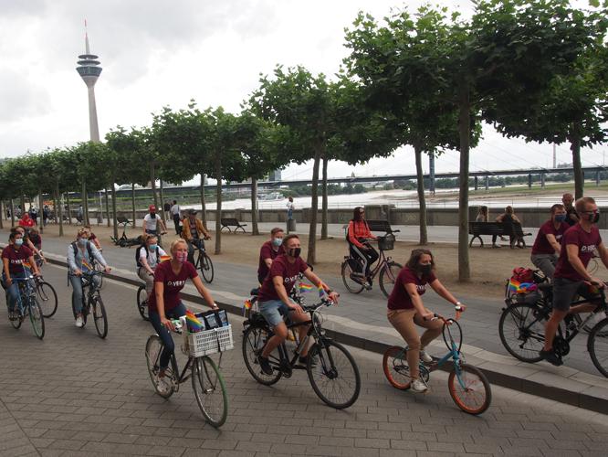 Bild: Gruppe Divers bei der Fahrrad-Demo