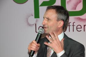 Bild: OB Geisel bei seinem Grußwort zum PULS-Jubiläum.