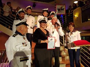 Bild: Ehrennadel-Verleihung