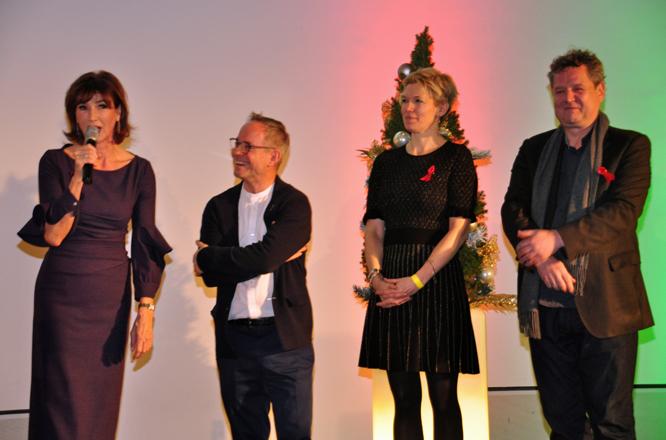 Dr. Dorothee Achenbach, Gérard A. Goodrow, Isabelle von Rundstedt, Dr. Gregor Jansen hatten die Kunstwerke zusammengestellt und freuten sich über den Spendenerlös. // Foto: Hermann Bliesener