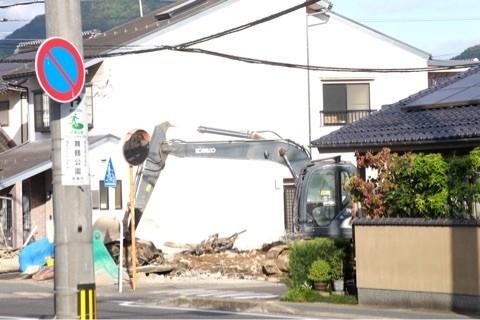解体 舞鶴 西舞鶴 美容室前