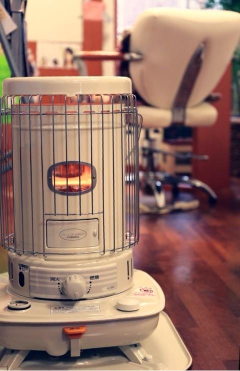 石油ストーブ 美容室 美容院 暖かい ぬくい