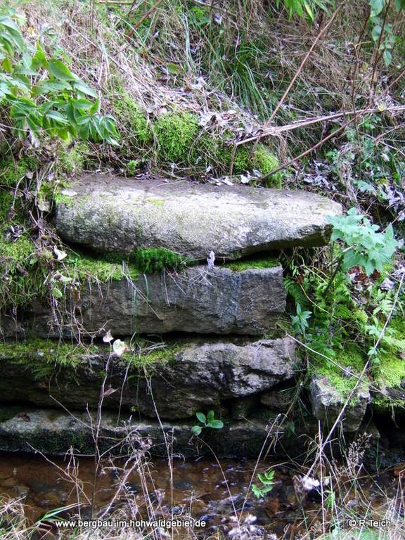 Stein an der Wesenitzbrücke des Ringenhainer Weges - Zustand vor den Baumaßnahmen