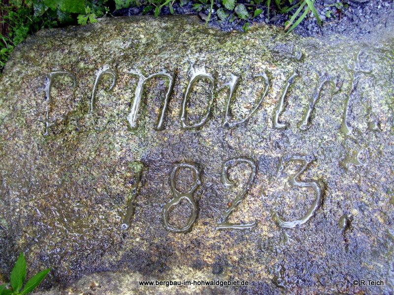 Stein an der Wesenitzbrücke des Ringenhainer Weges