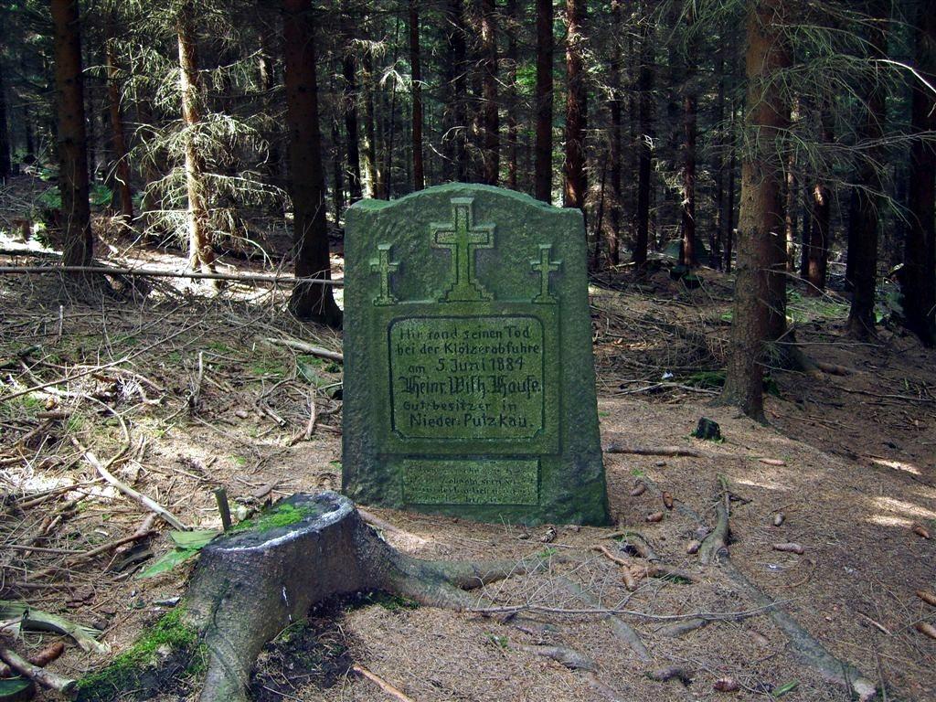 Gedenkstein Nordosthang des Rückenberges