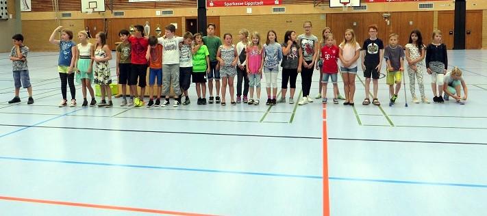 ... unserer Schulmannschaft im Handball zu einem 2. Platz bei den Handballmeisterschaften der Grundschulen in Soest