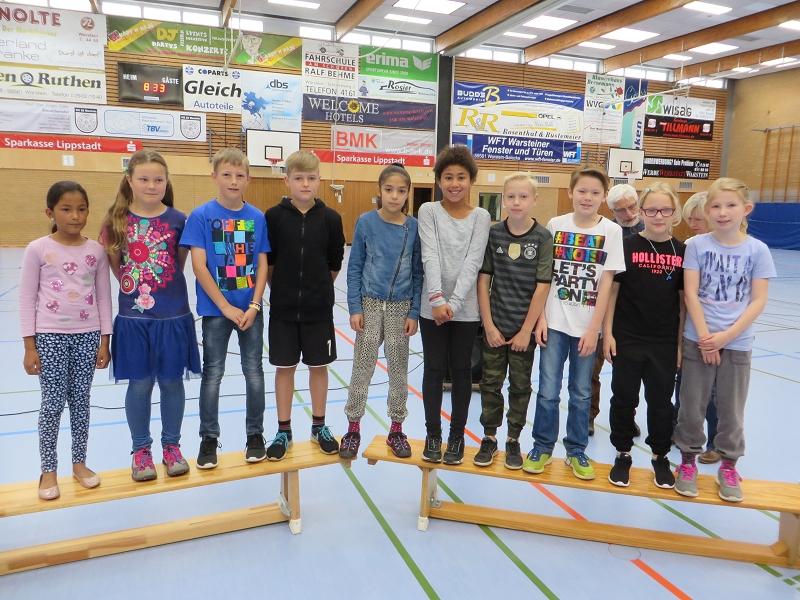 ... unserer Schulstaffel zum doppelten Pokalsieg beim Staffellauf der Grundschulen
