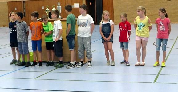 ... unserem Siegerteam aus der Klasse 4c beim Völkerballturnier