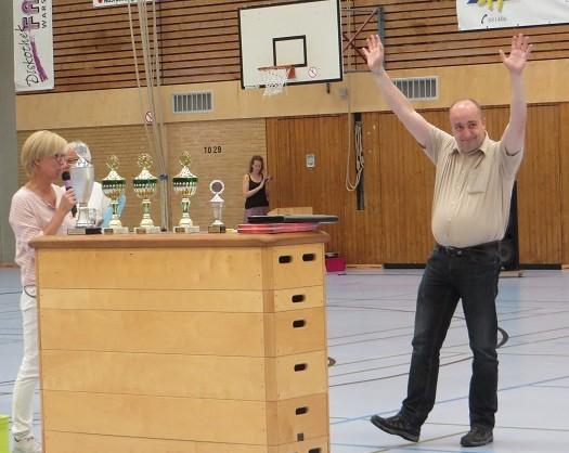 ... Herrn Koesfeld für sein ehrenamtliches Engagement in der Schach-AG
