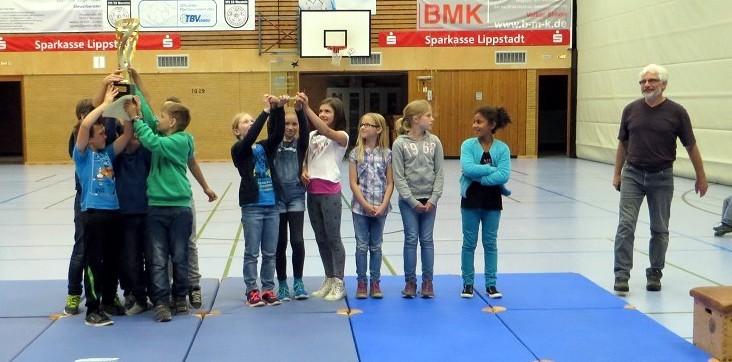 Herzlichen Glückwunsch an unsere Schulstaffel für den 1.Platz beim Staffellauf der Grundschulen