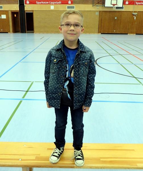 ... Ilja Britwin zu einem tollen 2. Platz beim Malwettbewerb der 1./2. Klassen