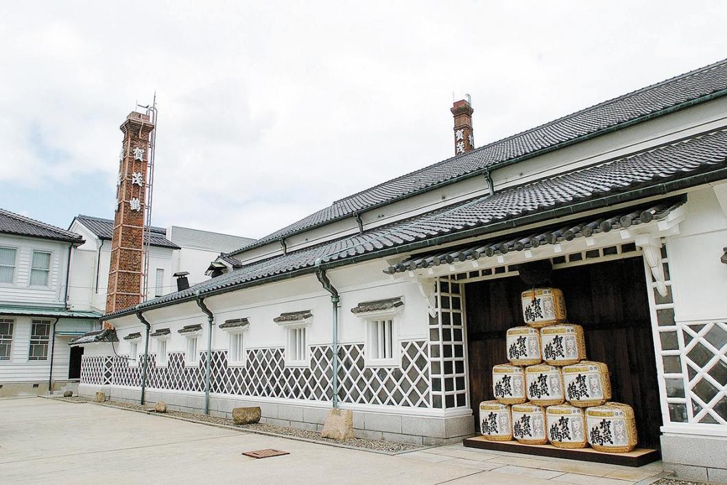 西条酒蔵通り(賀茂鶴酒造見学)