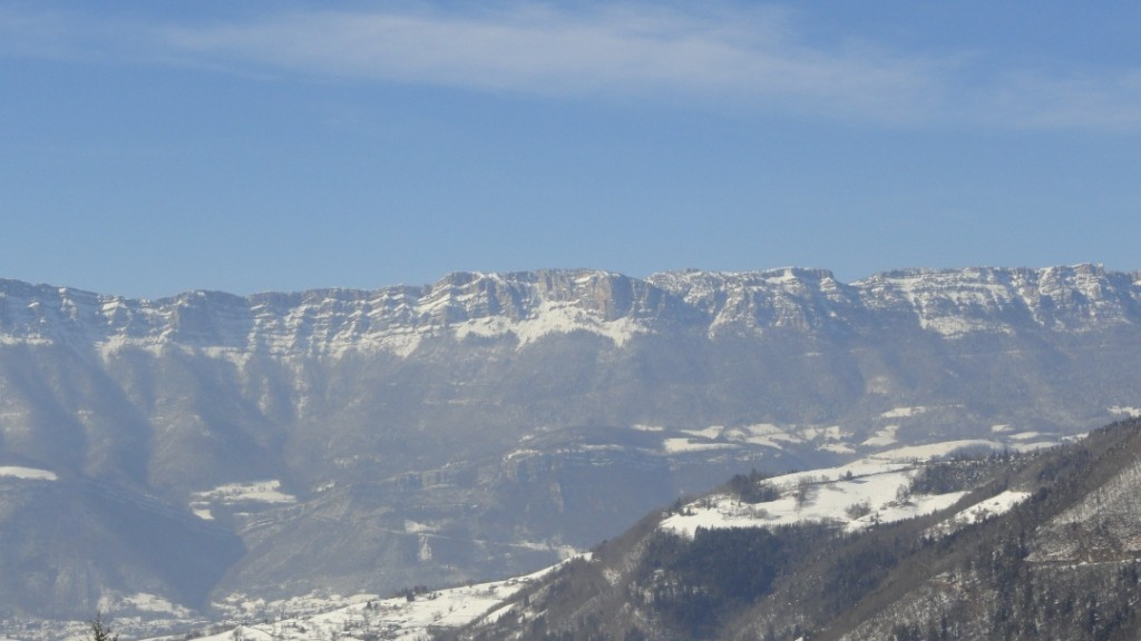 vue gite massif chartreuse en hiver