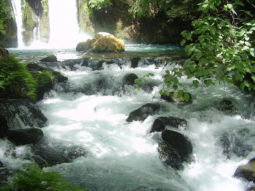 フィリポ・カイサリアと考えられている現在のバニアスの滝