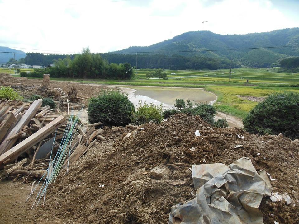 丹波市の現場の様子です。今回の災害さえ無ければ日本中どこでも見られる風光明媚な地方の田園風景です(K山さん撮影)