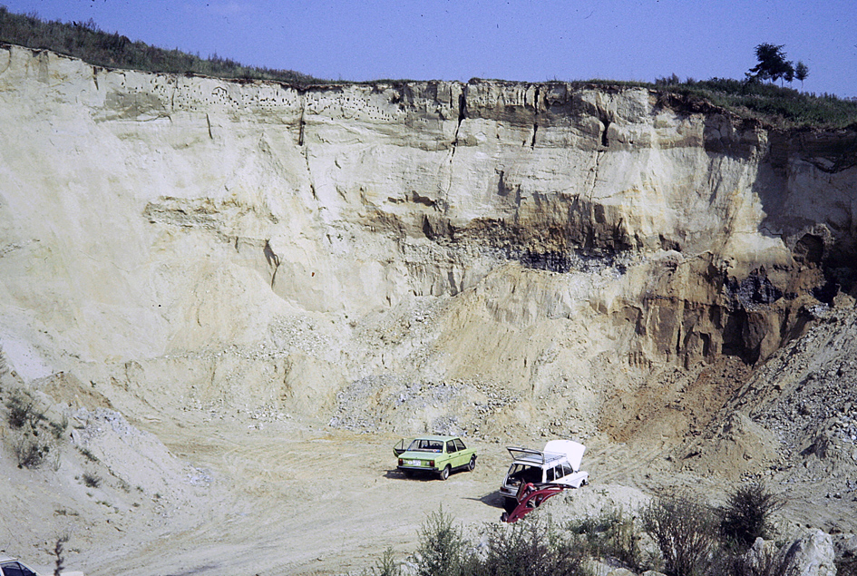 """Abb. 2: """"Historische"""" Aufnahme der Sandgrube DUMERTH (...)"""