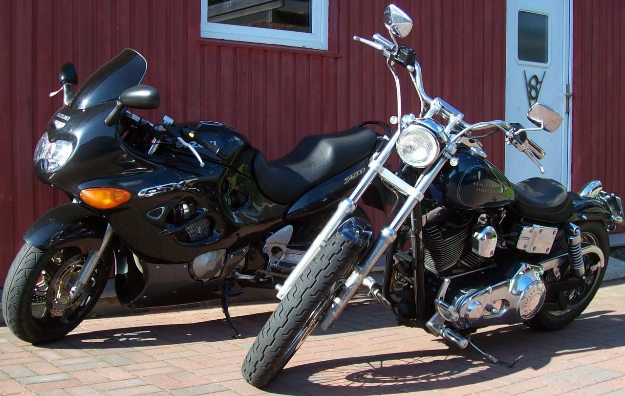 Suzuki GSX 750 F und Harley Davidson