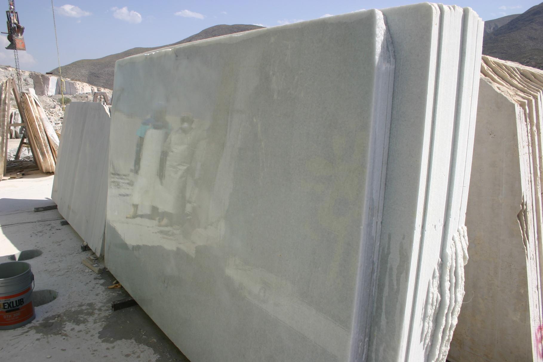 white marble slabs, white marble, white carrara marble, carrara white, carrara slabs, white calacatta marble, calacatta white marble, white royal marble, placas de marmol blanco carrara, placas de carrara