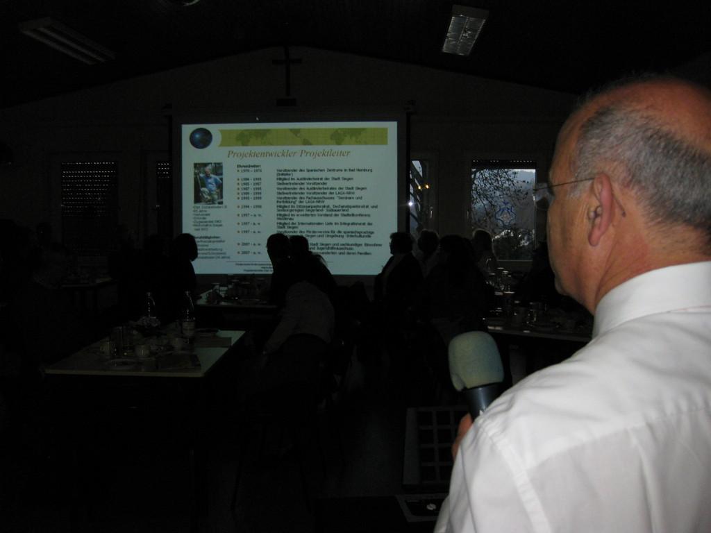 Präsentation des siegener Projekts durch Alfonso López García