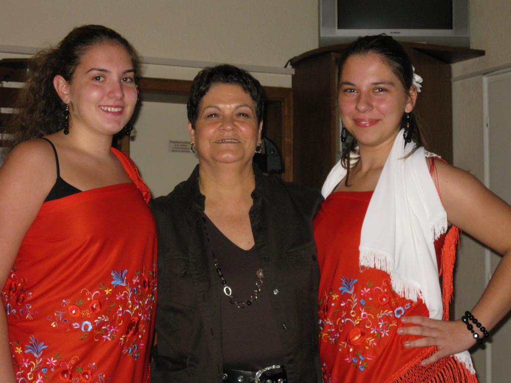 Lisa uns Chiara mit Consuelo vor der Flamencodarbietung