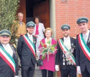 Ein besonderes Jubiläum feierte die 70-jährige Jubelkönigin Elfriede Nolte, die eine eindrucksvolle Rede vor den Schützen hielt.
