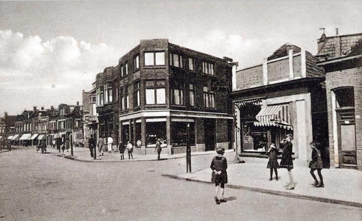Meeuwerderweg  omstreeks 1928