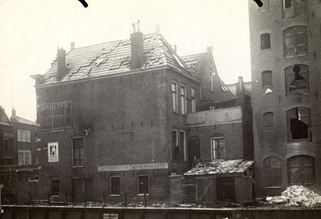 Trompkade . na ontploffing van een stoomboot voor de bontebrug ( 1925)