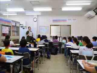港北区菊名 中学受験専門コース 国語力養成 みんな揃ってテスト開始です。