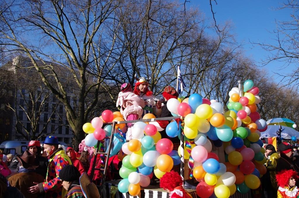 Am Sonntag zum Karneval auf die Königsallee!