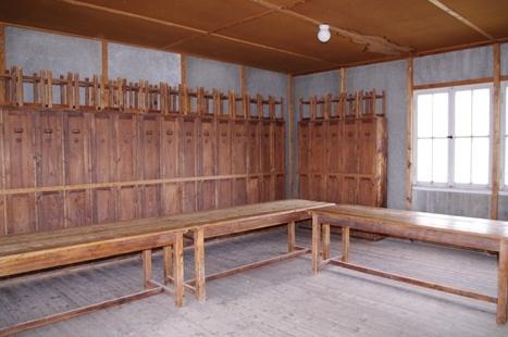 Innenraum mit Spind-Anlage (rekonstruiert)