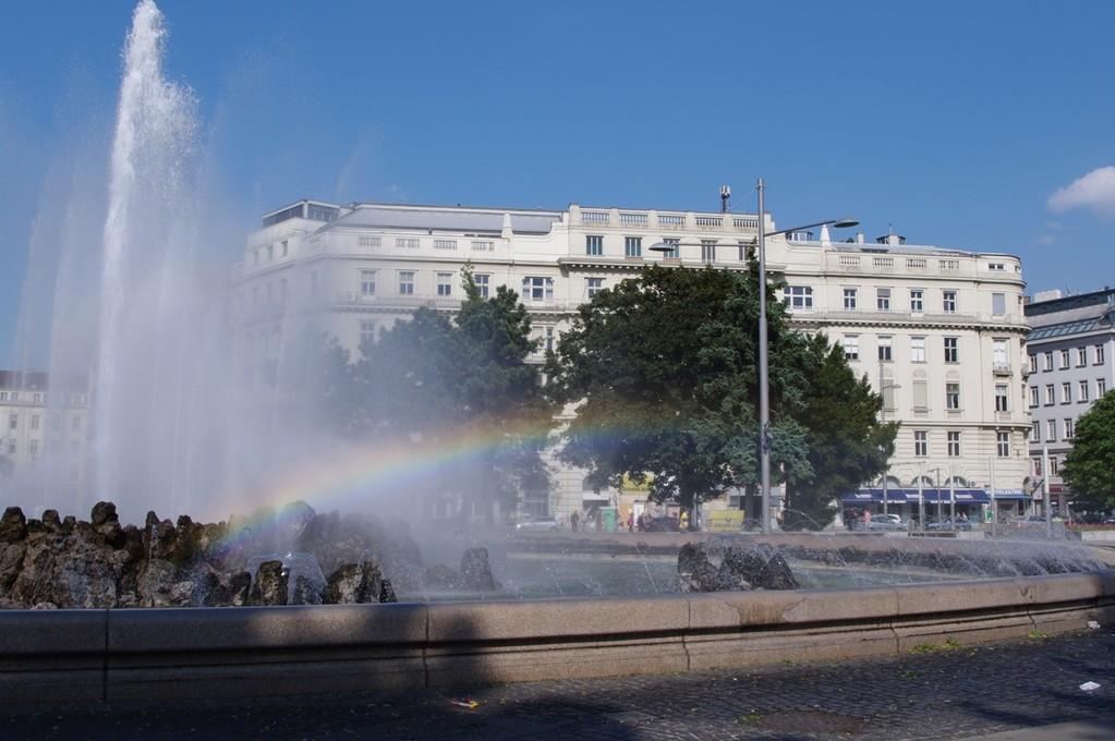 Brunnen am Heldendenkmal (Schwarzenbergplatz)
