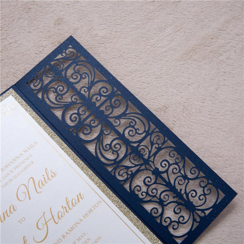 Lasercut Karte Altarfalz Hochzeitskarte Laserschnitt, Glittering Navy mit Glitter Einleger