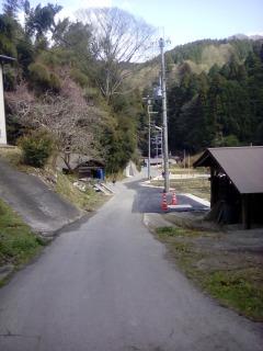 年度末 道路工事 宝探し 田舎の道