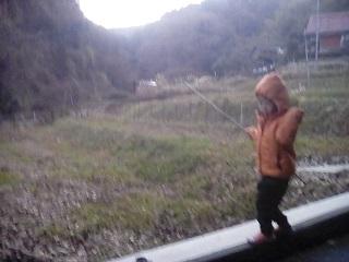 田舎暮らし子供と散歩