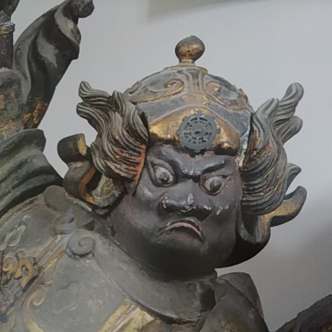 吉本新喜劇烏川耕一さんに似ている仏像