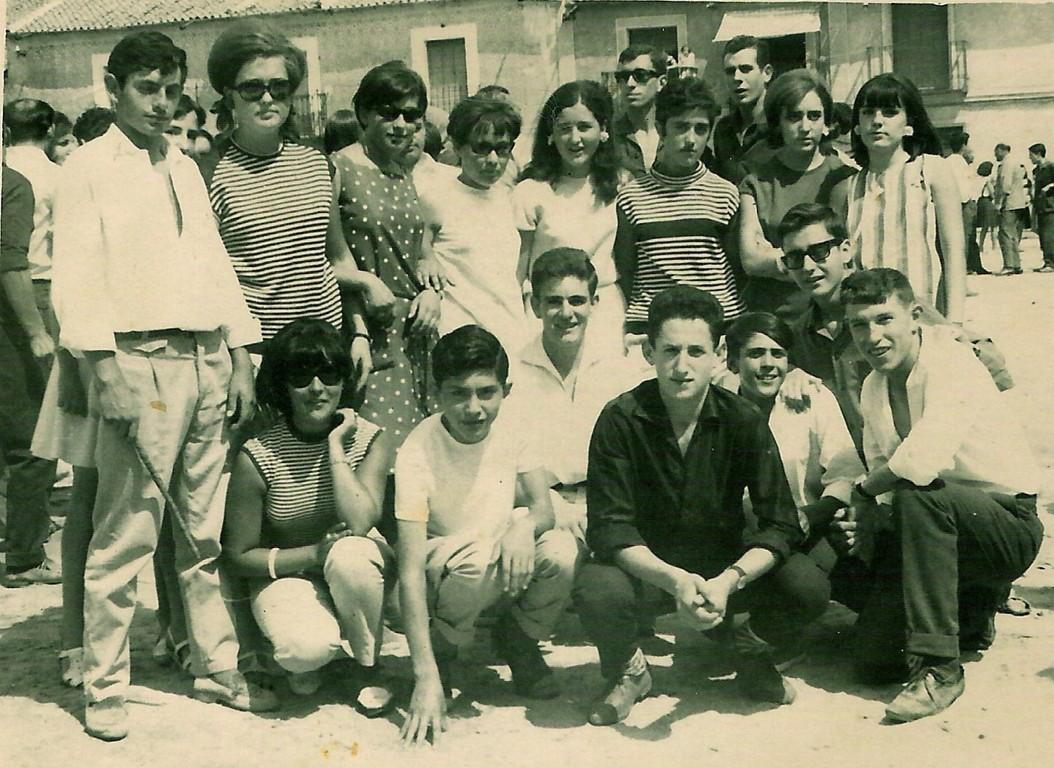 (izq. a drch. y de arriba abajo) Frutos González, Fuencisla Maroto, Maritrini, Mª Isabel, Raquel Maroto,