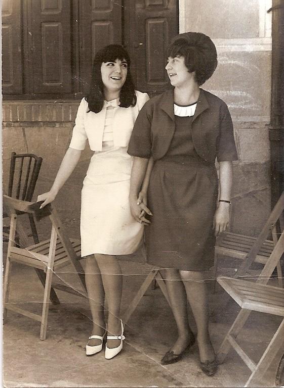 1968. Charo y Celia