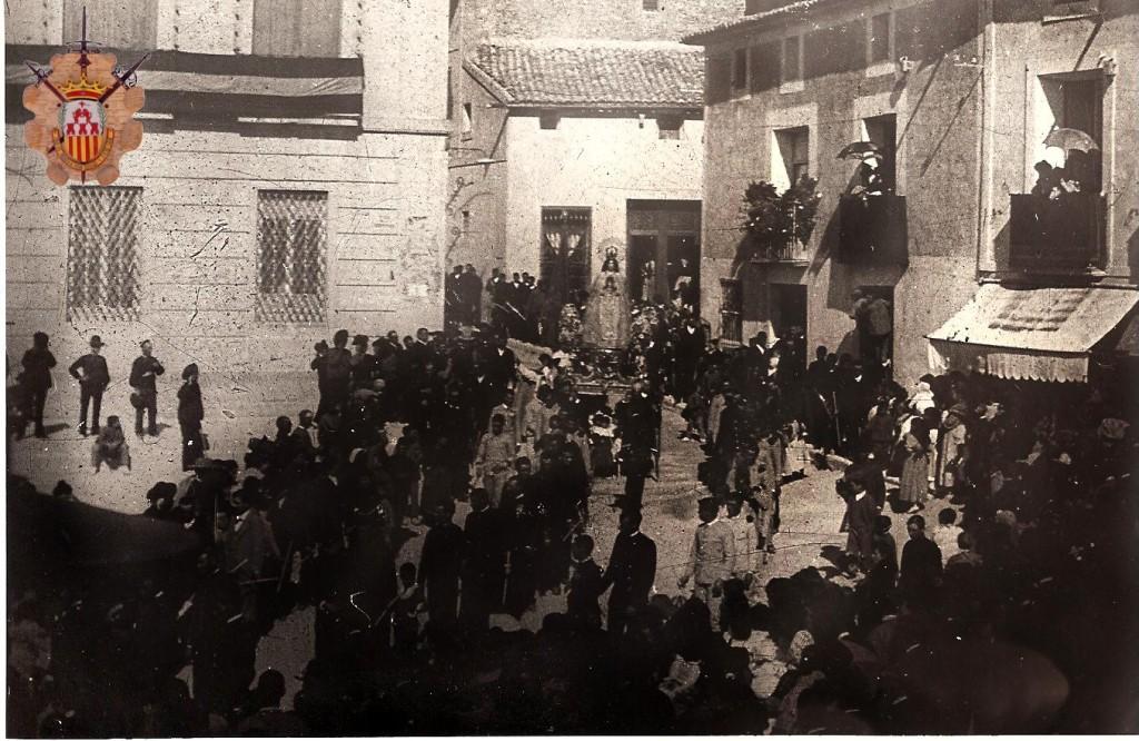 Virgen del Remedio pasando por Ayuntamiento