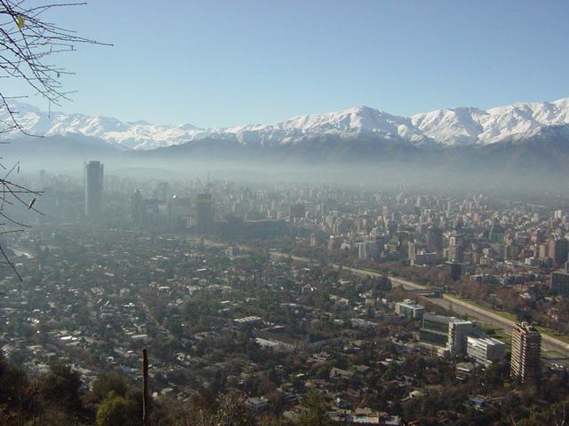 チリ|首都サンティアゴとアンデス山脈