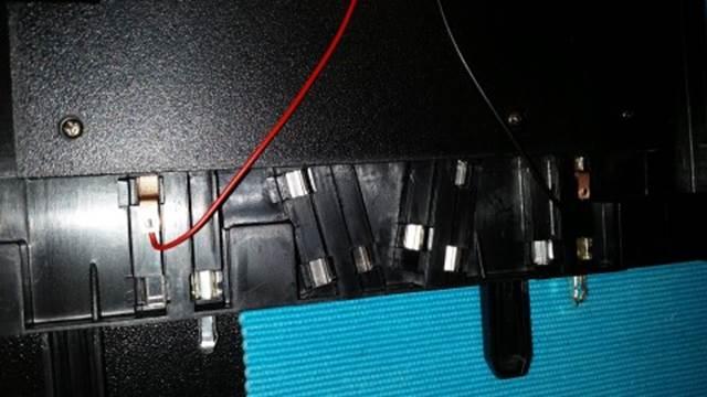 LED Anschlüsse von unten anschließen