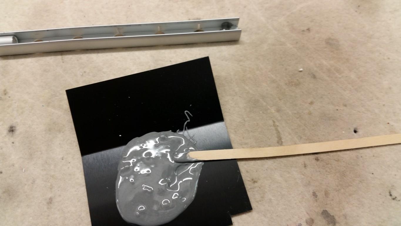 2-Komponenten- Metallkleber