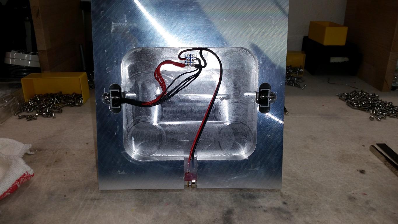 Montage des Strahlers und Stromanschluss