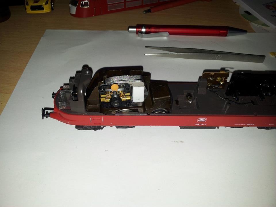 Fahrgestell mit HLA wieder eingebaut.