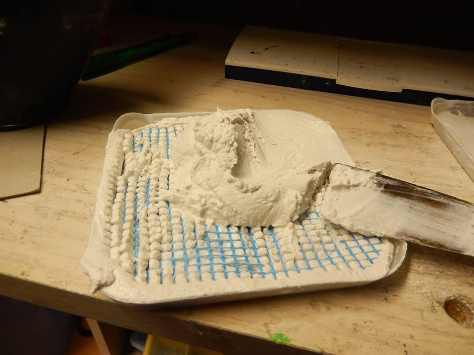Weiteres auffüllen der Form , ich schlage die Form immer mal auf um sie gleichmäßiger zu bekommen . Und zum trocknen wegstellen