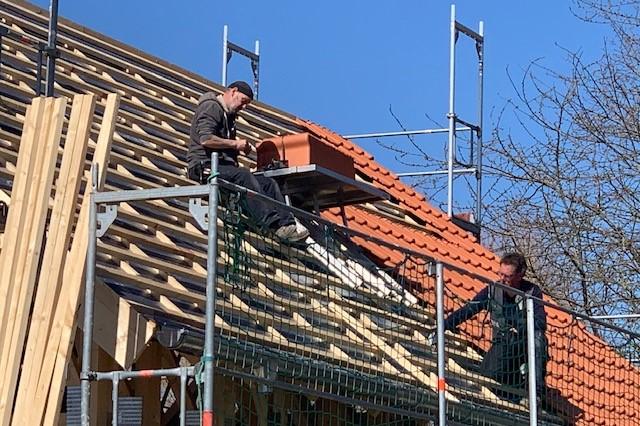 Jobangebot - Bau - Holzbau - Dachdecker - Zimmerer - Niedersachsen - Weserbergland - Bodenwerder - Holzminden - Dachfenster - Dachrinnen - Blitzschutzanlagen - Solaranlagen  - Ziegeldach - Dacheindeckung