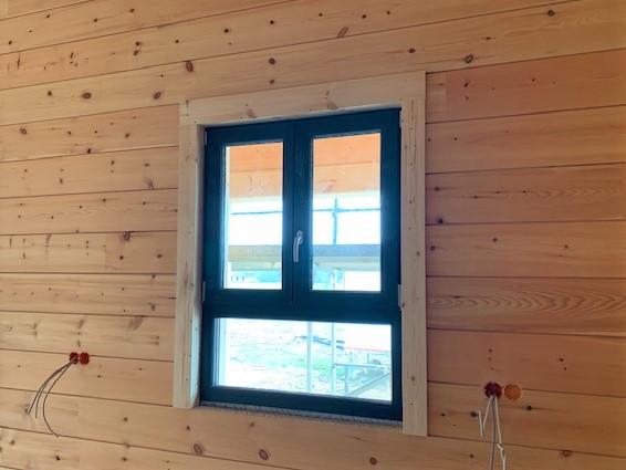 Fensterbau - Die Fenster in Grün setzen Akzente